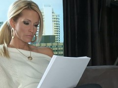 Peaches MILF Jessica Drake is a author that would like to fulfill their way sex fantasies. Will not hear of fantasies are about having sex with attractive elegant stud from the past. That babe would share their way daybed with that man.