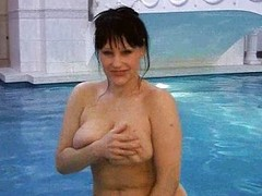 MILF masturbates in come jointly