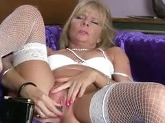 Grown up milf cums on her toy