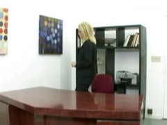 Strike at cookie milf in the office
