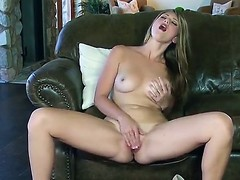 Mesmeric sweetheart with big bumpers Shae Snow likes to appear to be to be her tasty mooist cum-hole on a daybed