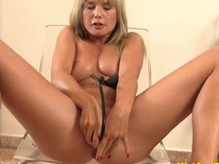 Urine loving eurobabe playing with pee plus drinking it